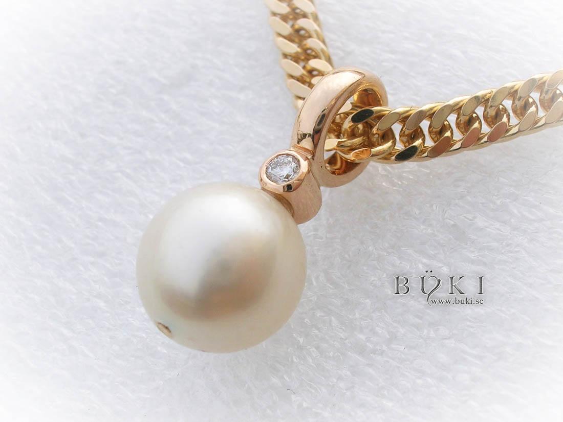 pärlhänge-i-18k-guld-med-diamant