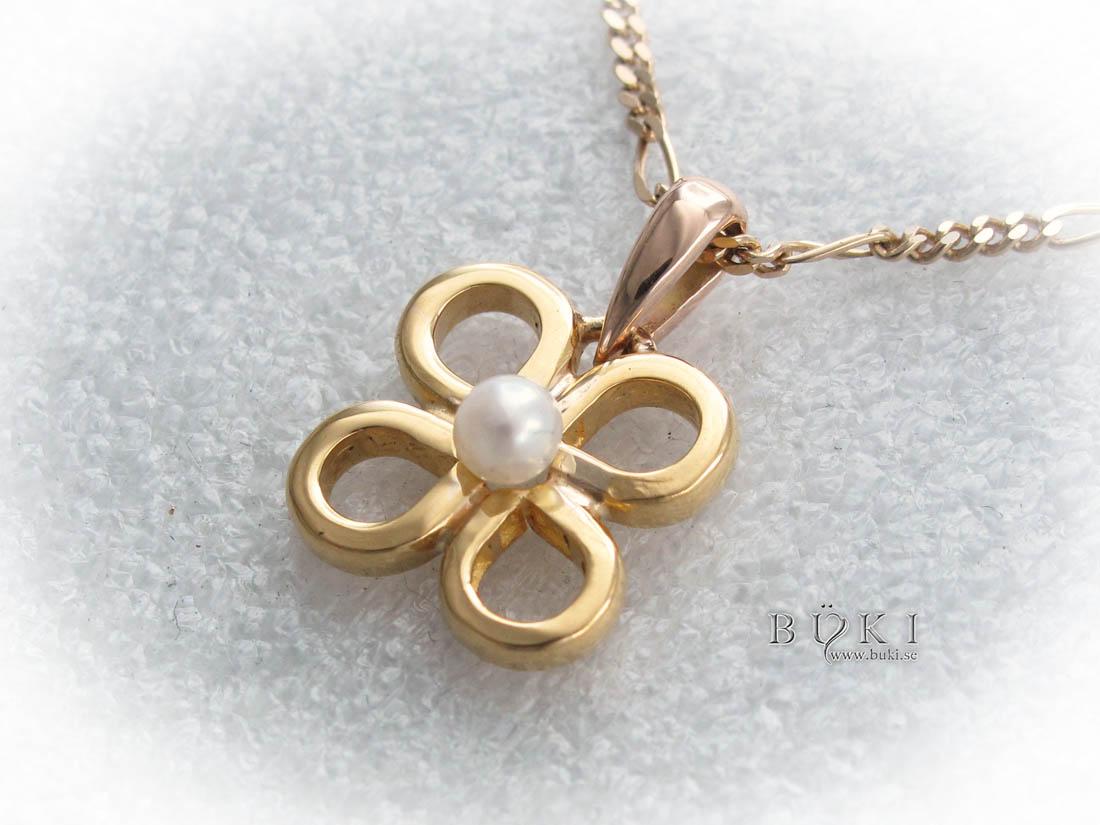 hängsmycke-18k-guld-med-pärla-omarbete-från-slät-ring