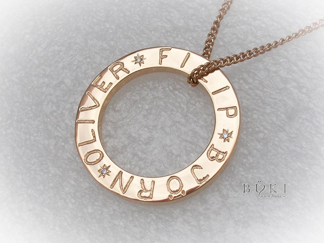 cirkel-i-18k-guld-med-diamanter-och-namn