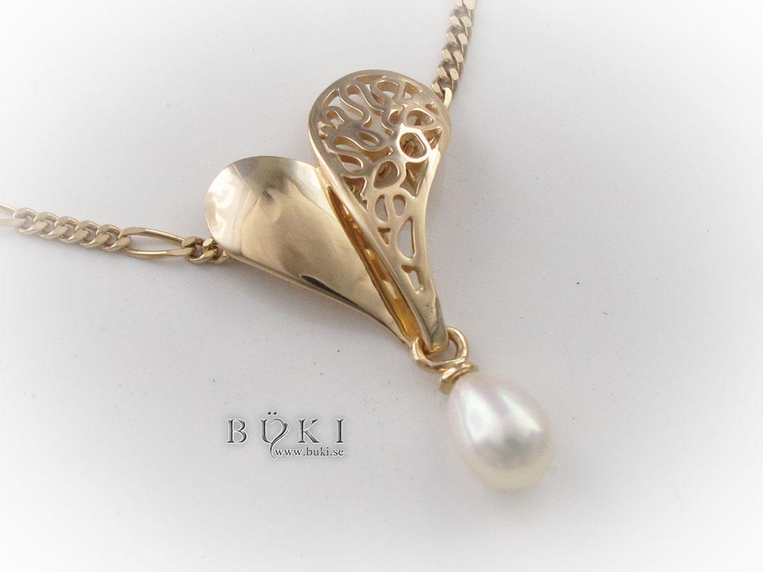 hjärta-i-18k-guld-med-pärla