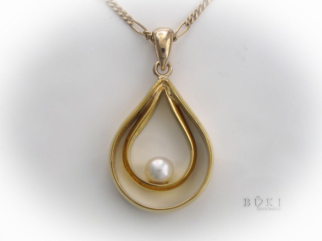 hängsmycke-i-18k-guld-med-pärla-omarbete-från-släta-ringar