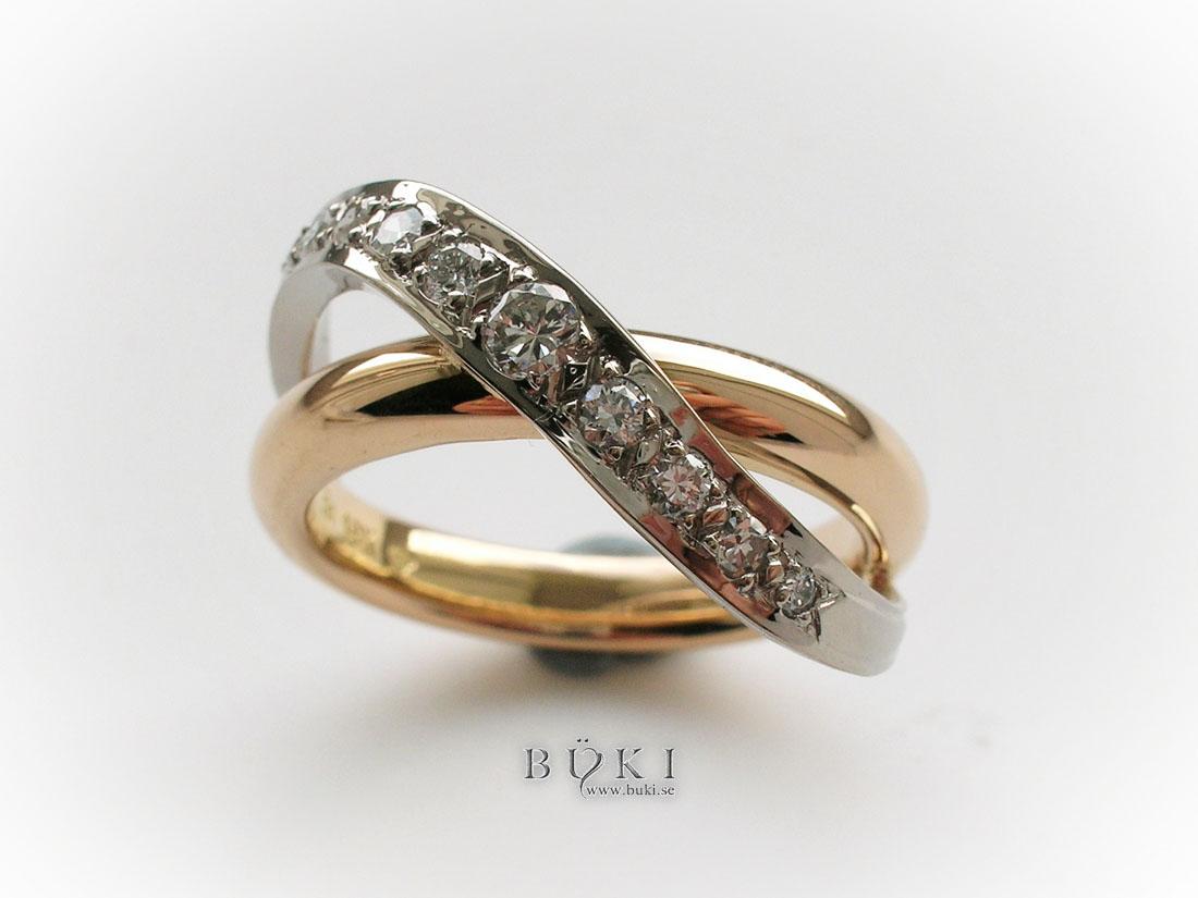ring-i-rödguld-och-tvärslå-i-vitguld-med-diamanter