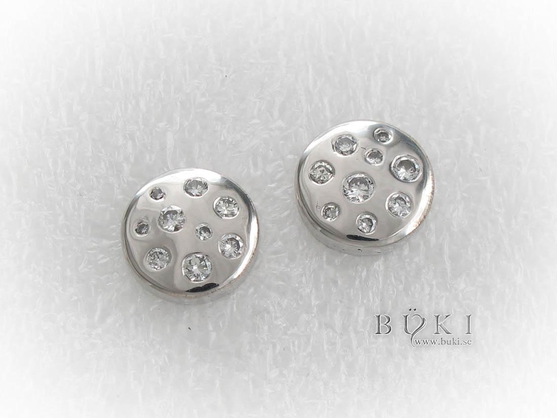 vitguldsörhängen-med-diamanter