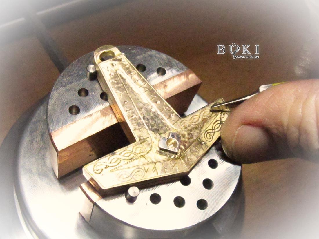 Omarbeta-gammalt-guld-till-torshammare-i-18k